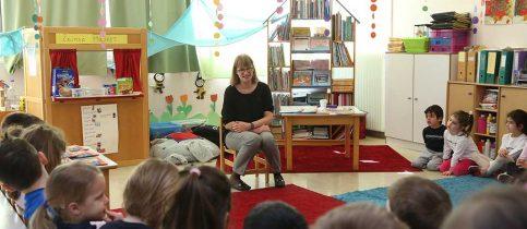 Επίσκεψη της συγγραφέα Λιλής Σκουλαρίκη στα Νήπια