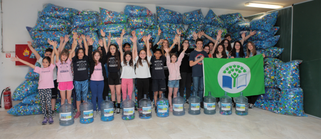 Elementary and junior – senior high schoolstudents collected more than one ton of plastic bottle caps during school year 2018 - 2019.
