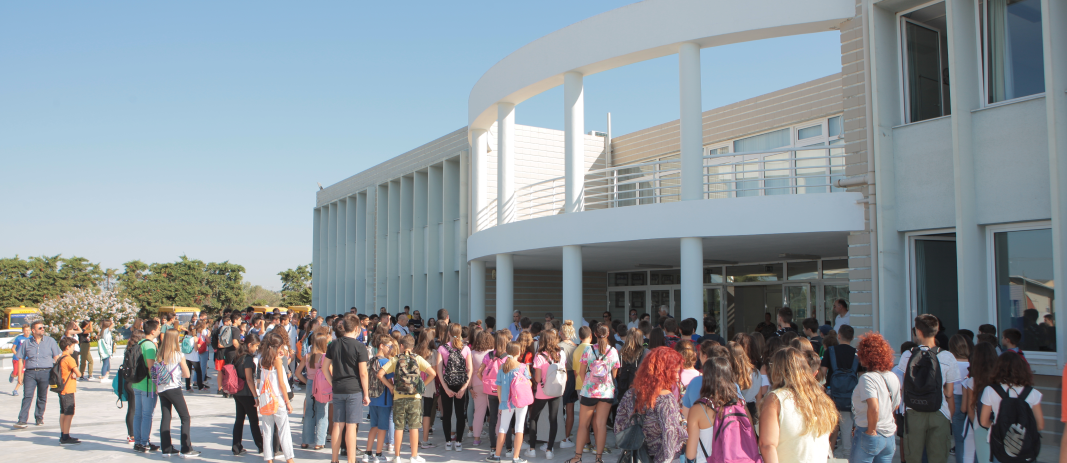 Mandoulides Schools, aiming at better adaptation, creative activities and preparation for the new school year, await students in the Art & Science Days 2019