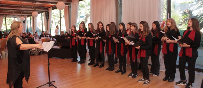 Χορωδία σε εκδήλωση των «Φίλων της Μέριμνας»