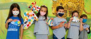 Οι μαθητές της Α΄ Δημοτικού συντροφιά με τον Έλμερ - in company with Elmer