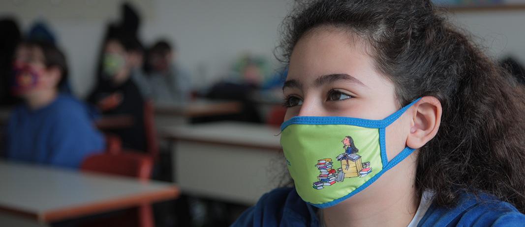 Σε δωρεά παιδικών μασκών με αγαπημένους ήρωες προχώρησε ο εκδοτικός οίκος «Ψυχογιός» προς τα Εκπαιδευτήρια για την προστασία της υγείας των μαθητών.