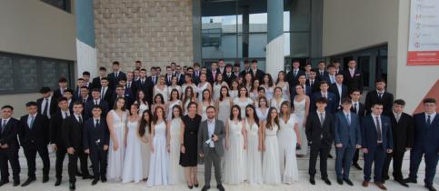 Σε κλίμα συγκίνησης πραγματοποιήθηκε η φετινή Τελετή Αποφοίτησης των μαθητών της Γ΄ Λυκείου των Εκπαιδευτηρίων, στις εγκαταστάσεις του Γυμνασίου - Λυκείου.